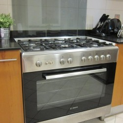 Bosch Stove and Oven for sale (cooker ) – Italy  –  AED 1,250